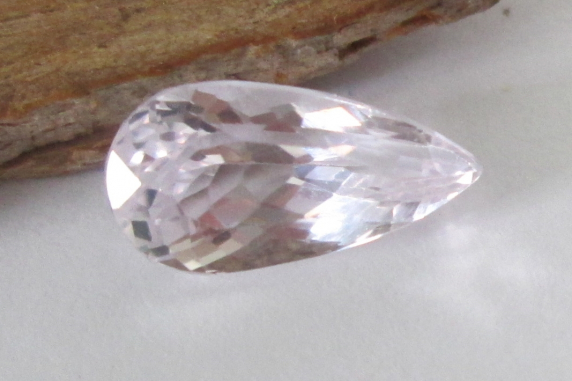 Pink Kunzite Pear 4.10cts