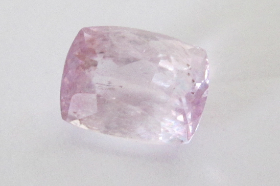 Pale Pink Kunzite 9x7mm Cushion Cut 3.30cts