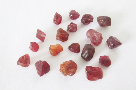 Red Mogok Spinel Rough Lot 25.40cts
